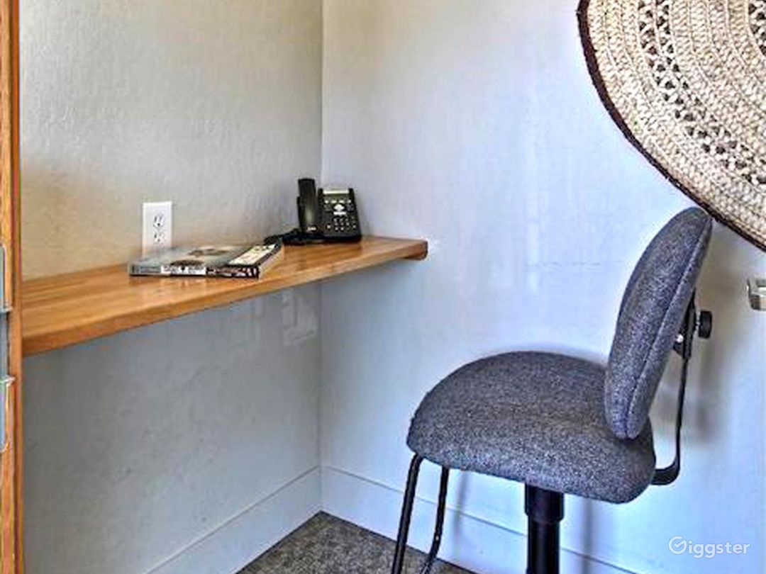 Quiet booth with wifi, chair and table