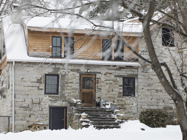 Bucolic stone farmhouse with pool: Location 5128 Photo 2