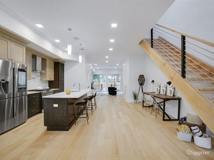 Contemporary Brownstone with Park Views Photo 4
