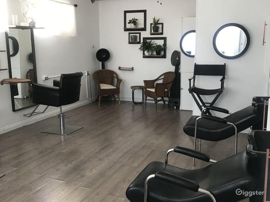 Beautiful double station salon  Photo 4