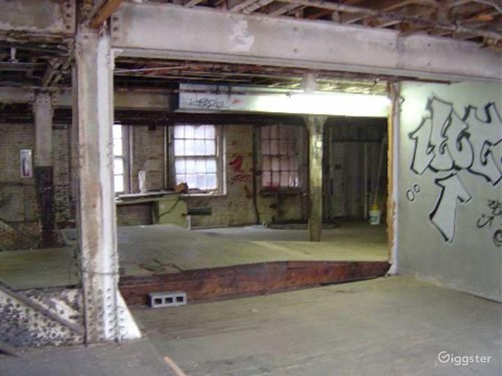 Warehouse facility in DUMBO: Location 4023 Photo 3