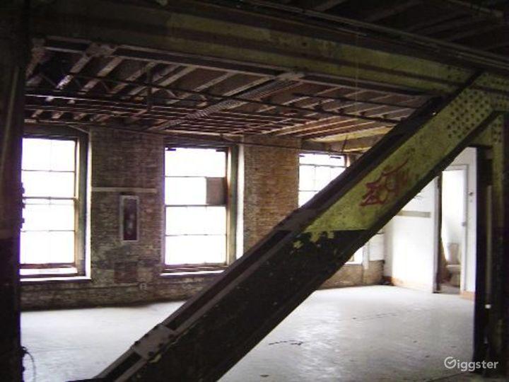 Warehouse facility in DUMBO: Location 4023 Photo 5