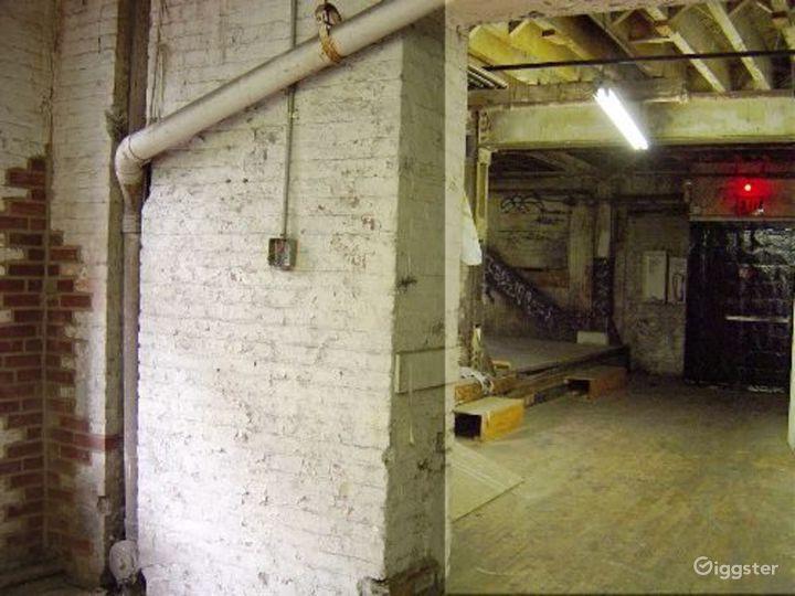 Warehouse facility in DUMBO: Location 4023 Photo 4