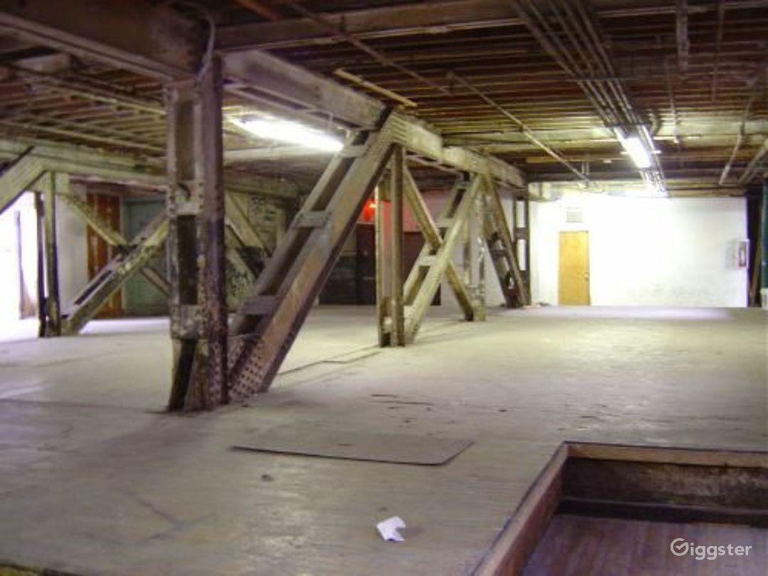Warehouse facility in DUMBO: Location 4023 Photo 1
