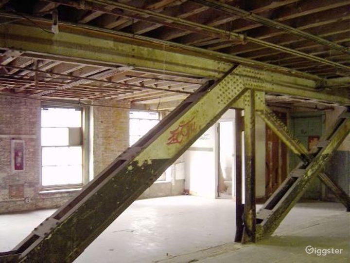 Warehouse facility in DUMBO: Location 4023 Photo 2