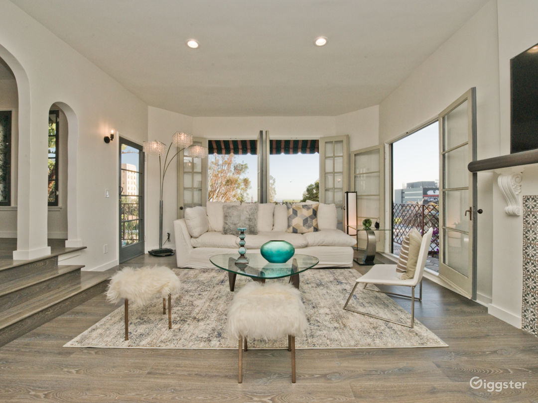Luxury 2-Story Villa with Downtown Hollywood Views Photo 1