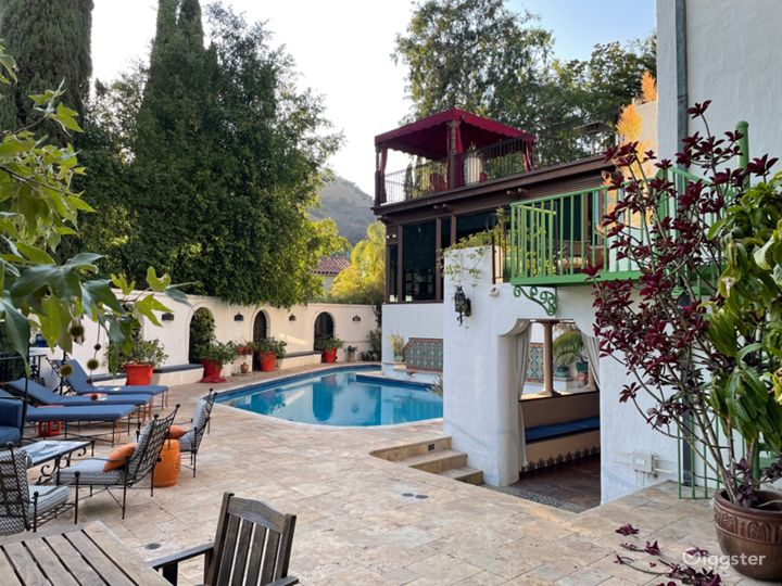 Hollywood Mansion Photo 2