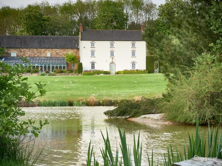 Picturesque Georgian Farmhouse and 10 Acre Grounds Photo 3