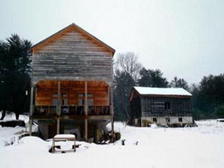 Rustic rural farm: Location 4139 Photo 2