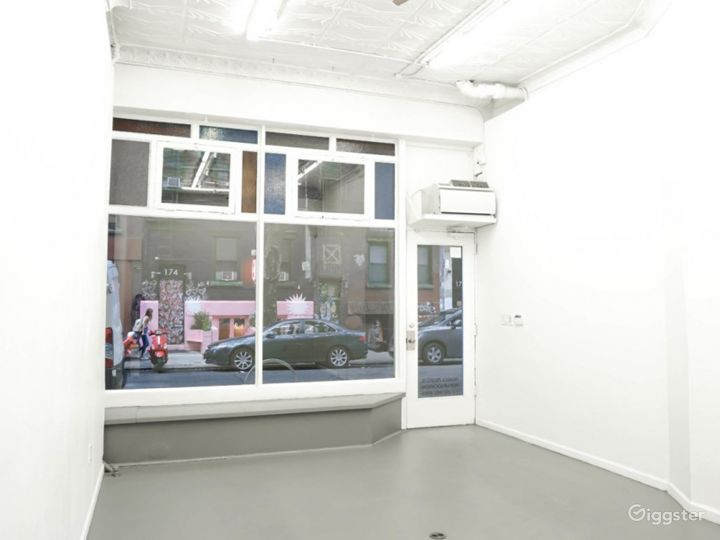 A Charming Gallery Space Photo 5
