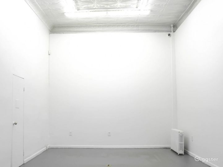 A Charming Gallery Space Photo 2