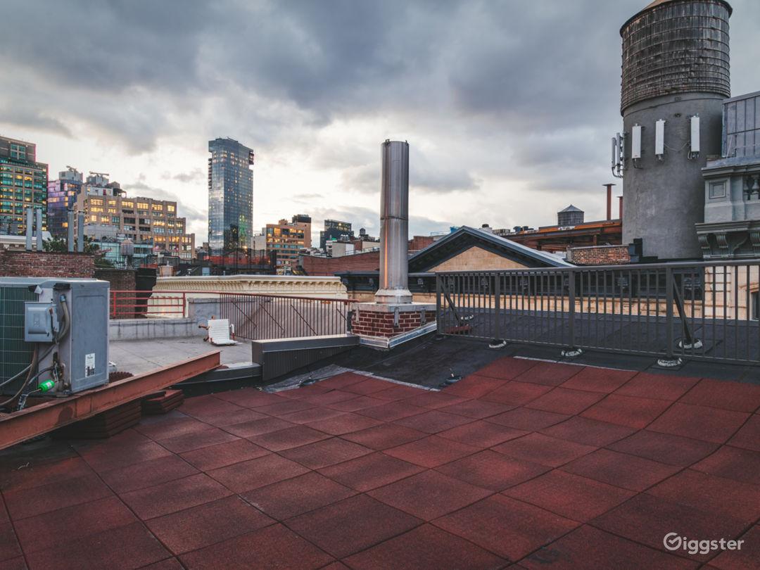 Conscious Designed Soho Apartment w/Rooftop Photo 5