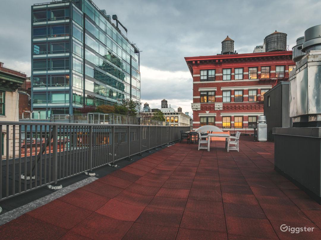 Conscious Designed Soho Apartment w/Rooftop Photo 3