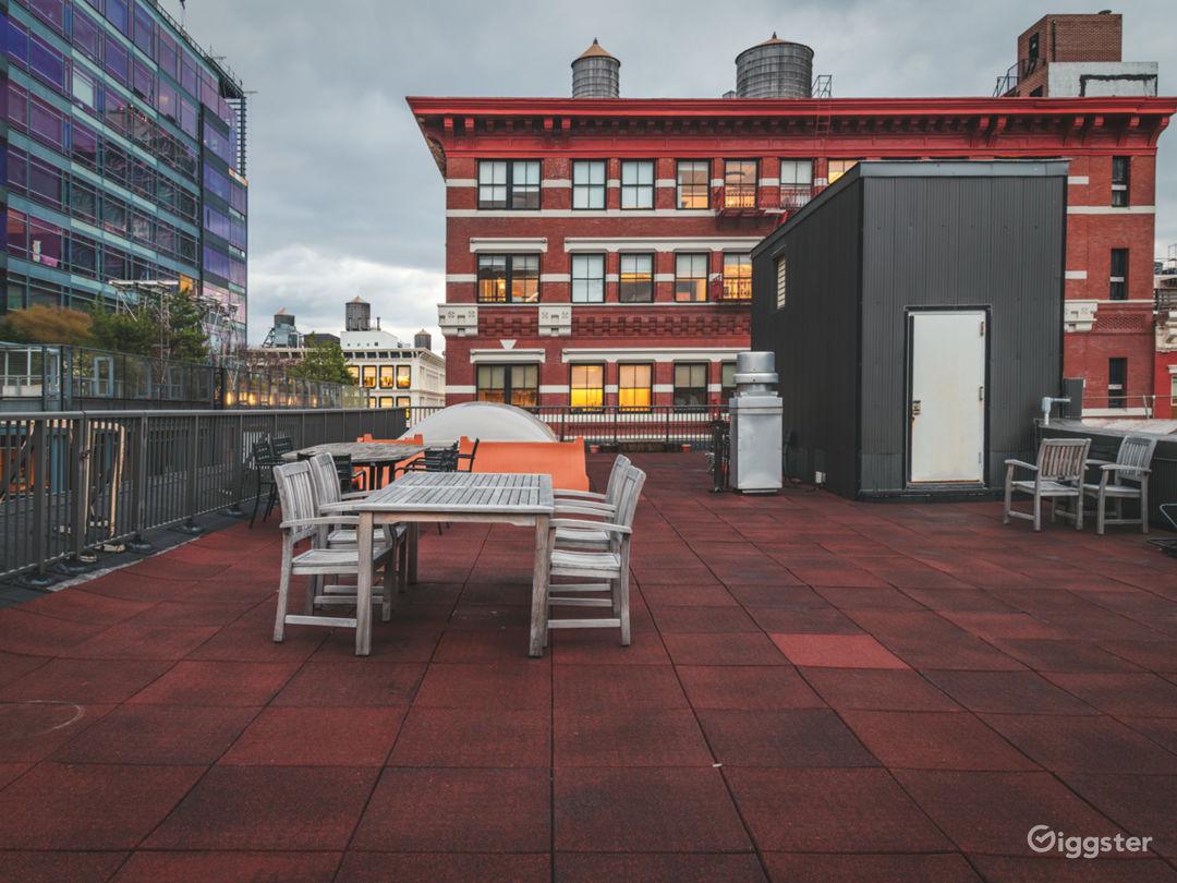 Conscious Designed Soho Apartment w/Rooftop Photo 4
