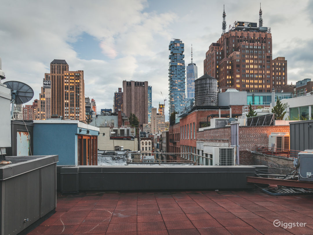 Conscious Designed Soho Apartment w/Rooftop Photo 1