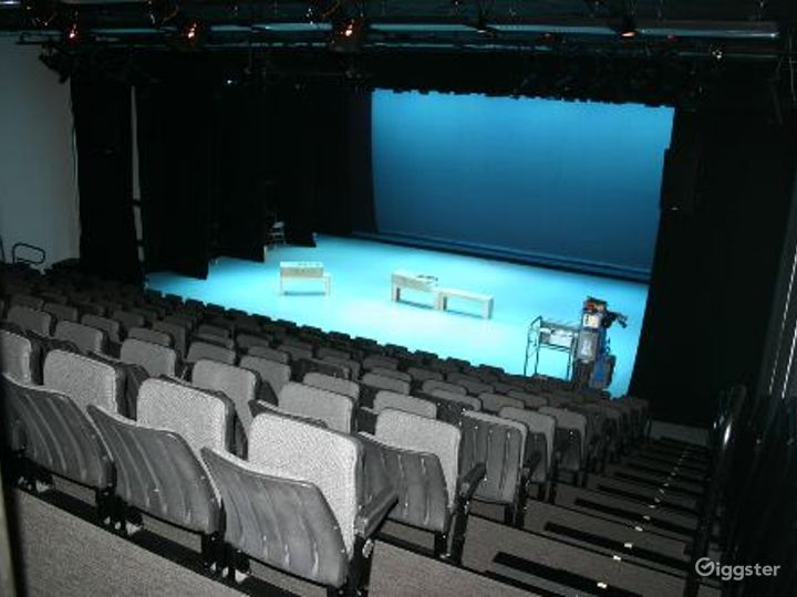 Dance studio and performance theater:Location 4120