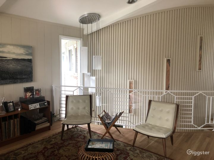 Mid Century Modern Home Photo 2