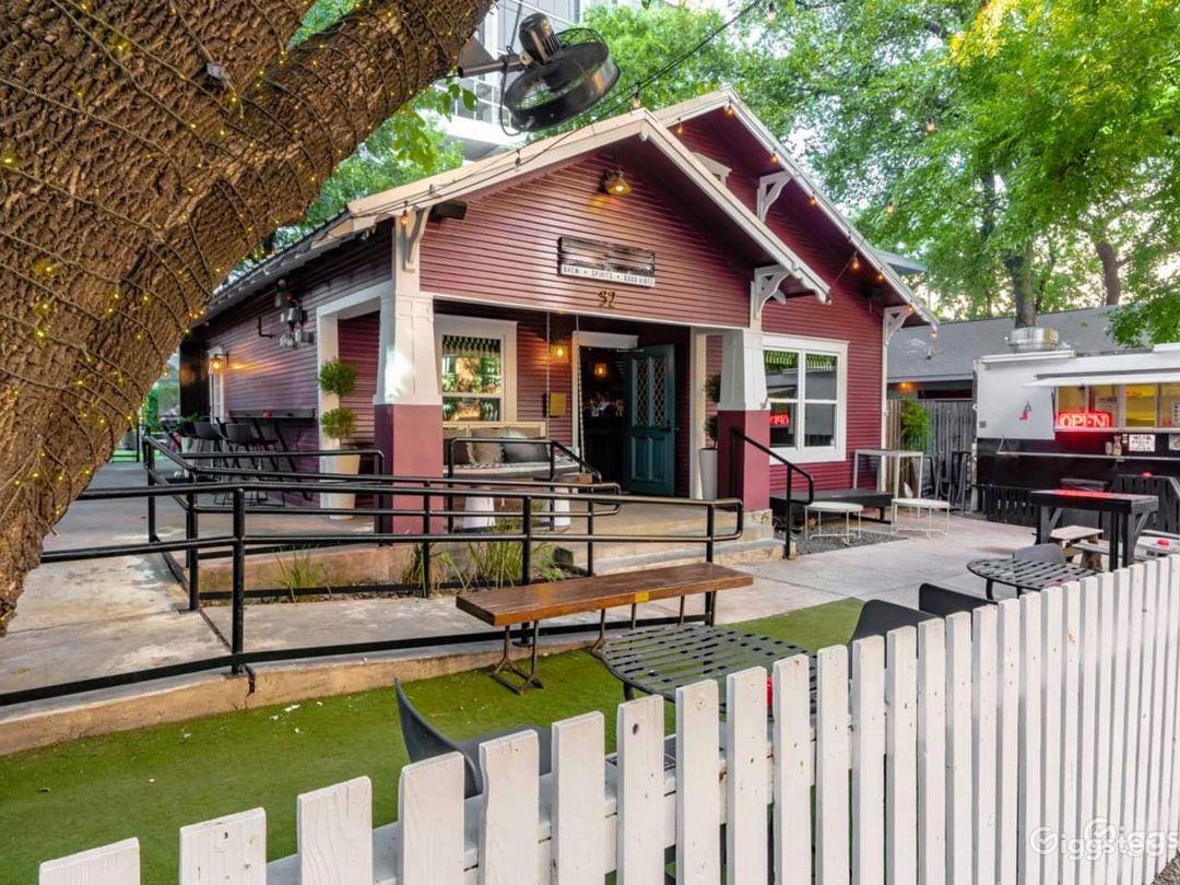 Hidden Oasis w/ Outdoor Patio in Austin Photo 1
