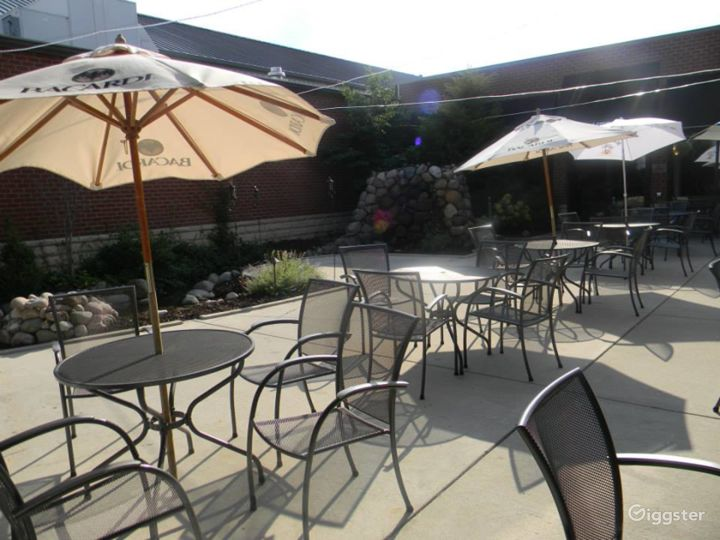 Beautiful Outdoor Patio with Fountain Design Photo 5