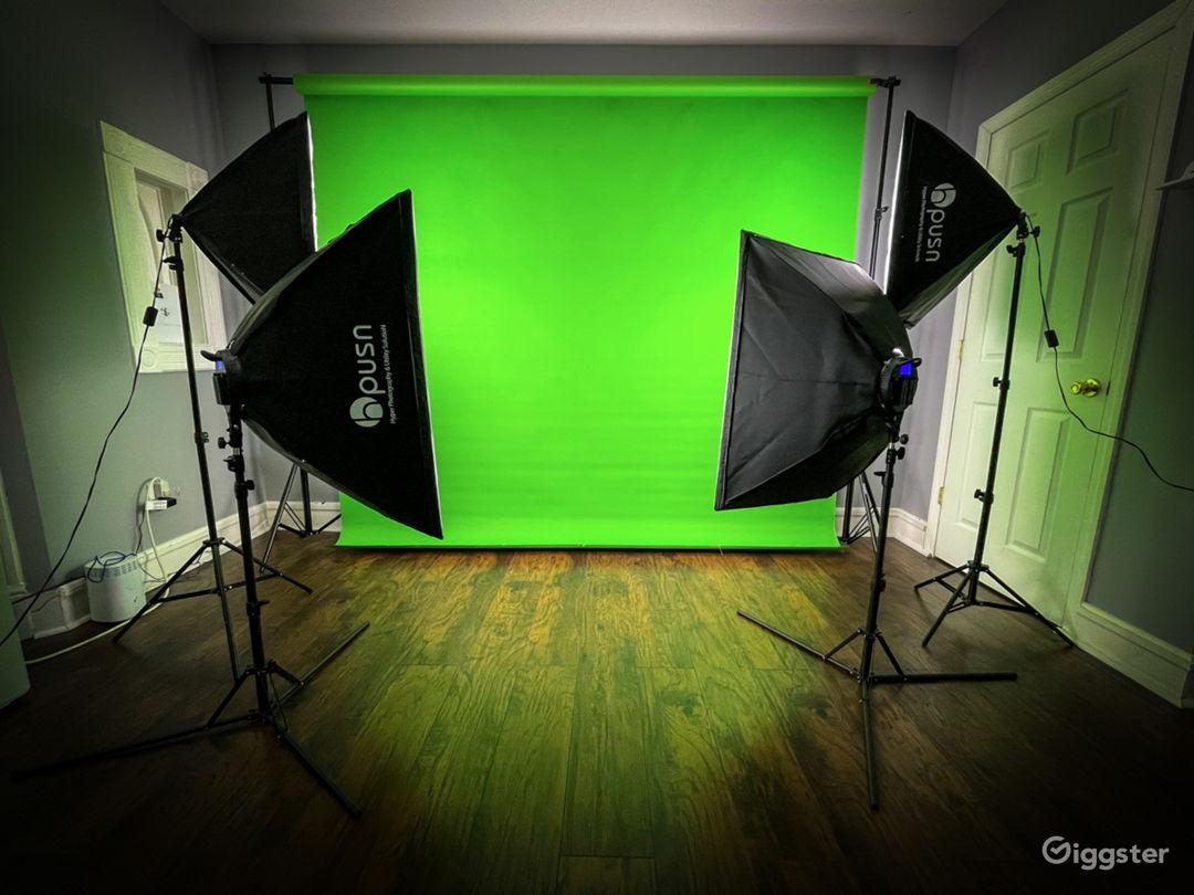 Seamless Green Screen Backdrop  (107 x 36 FT)