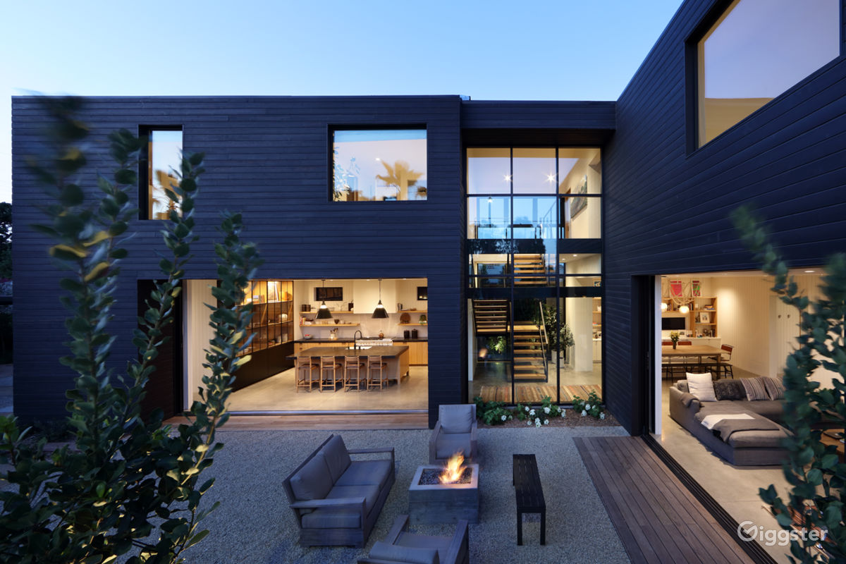 Rent the houseresidential venice bright modern for filming photo shooting in los