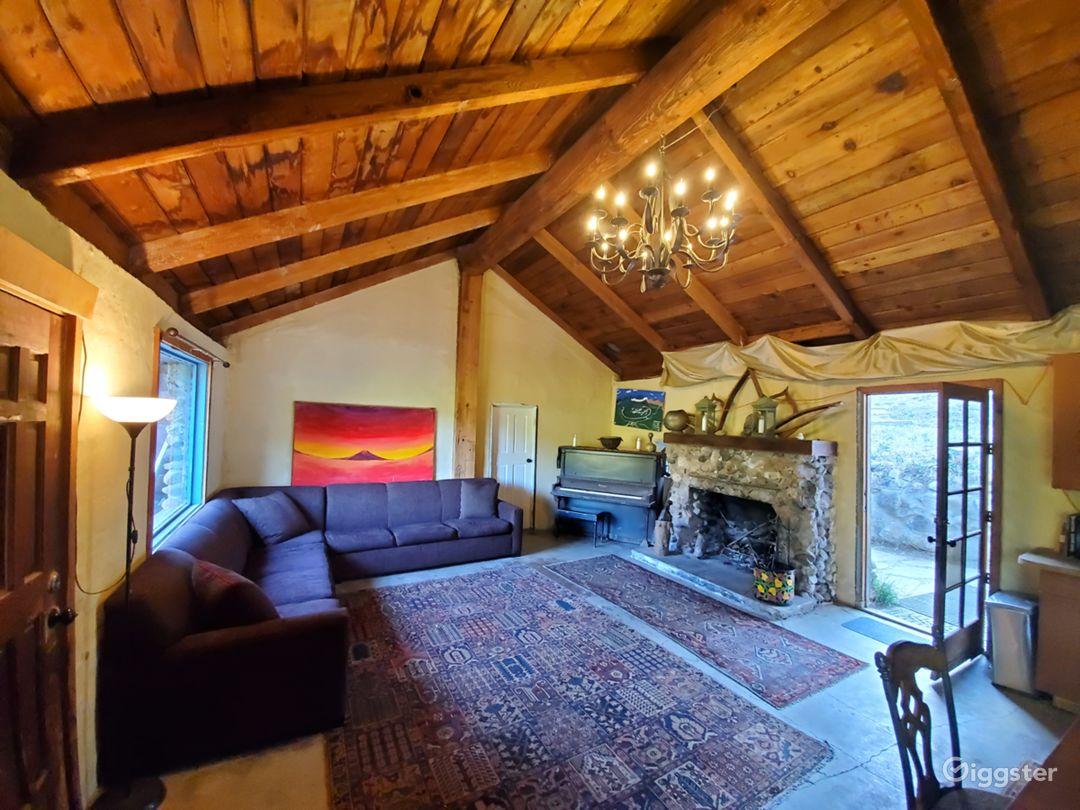 100yr + Stone House w/fireplace + French Quarters! Photo 3