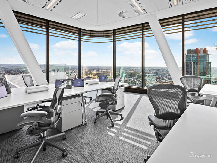 Penthouse Style Office Space in Brisbane Photo 3