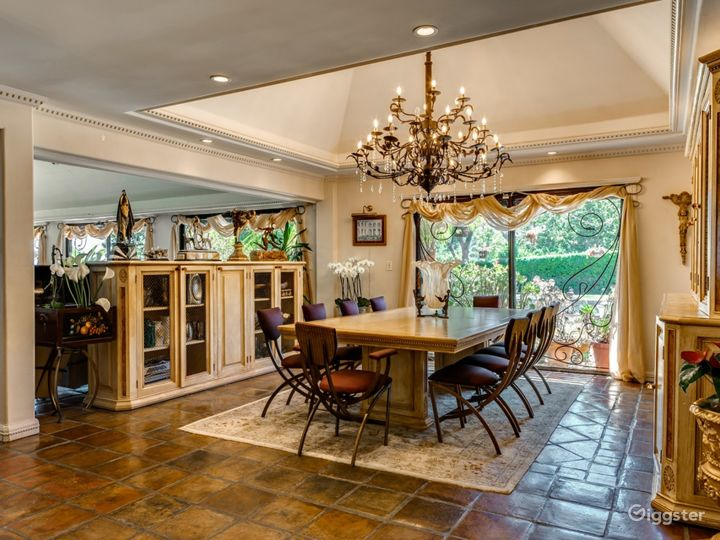Gorgeous Calabasas Home - Ideal for Reality Show Photo 4