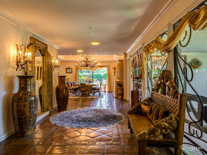 Gorgeous Calabasas Home - Ideal for Reality Show Photo 2