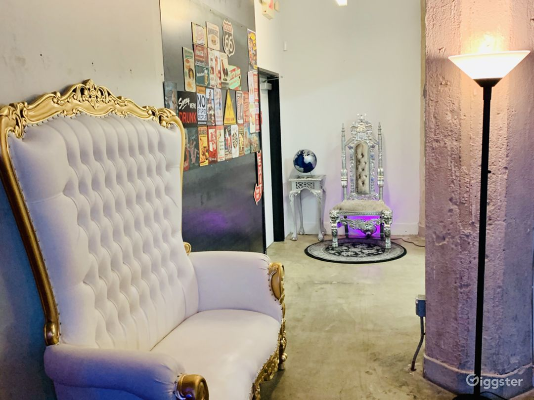 BEAUTIFULLY DECORATED & SPACIOUS DTLA LOFT SPACE Photo 4