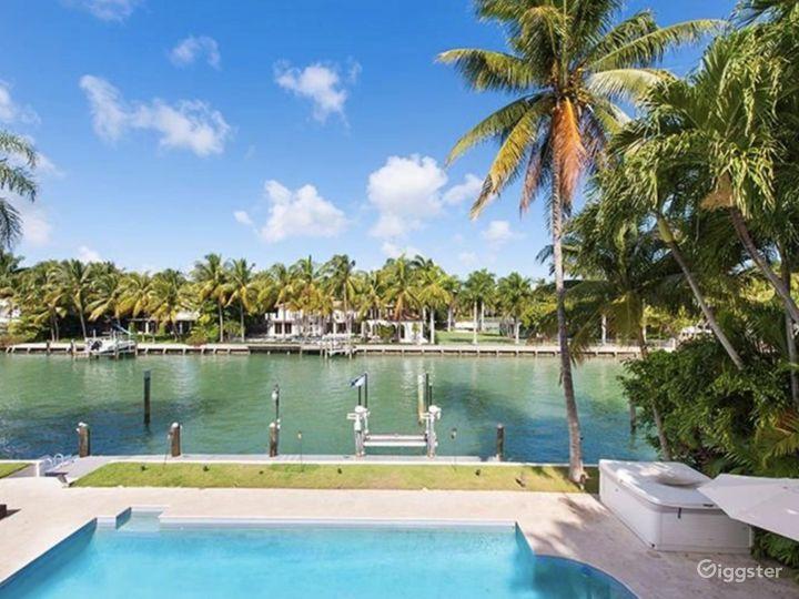 Waterfront Miami Mansion Photo 4