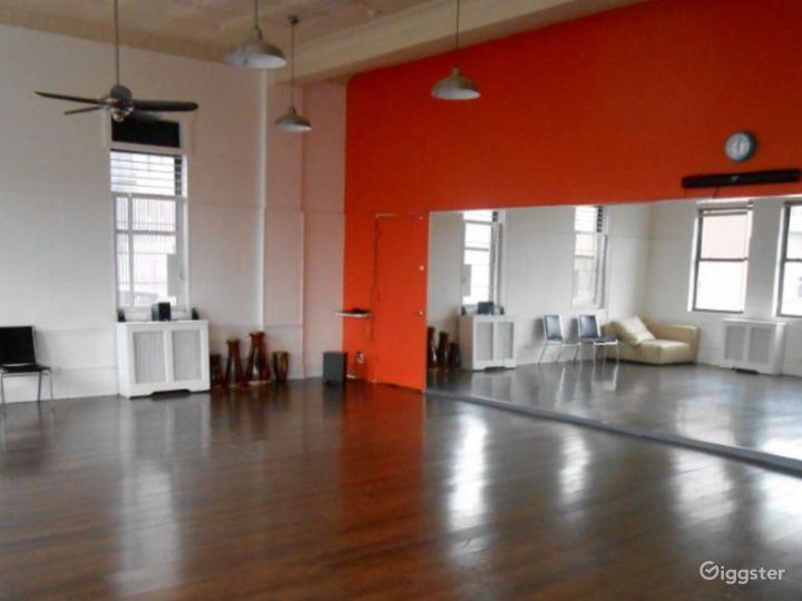 Modern-Look Ana Dance & Drum Room for Events Photo 2
