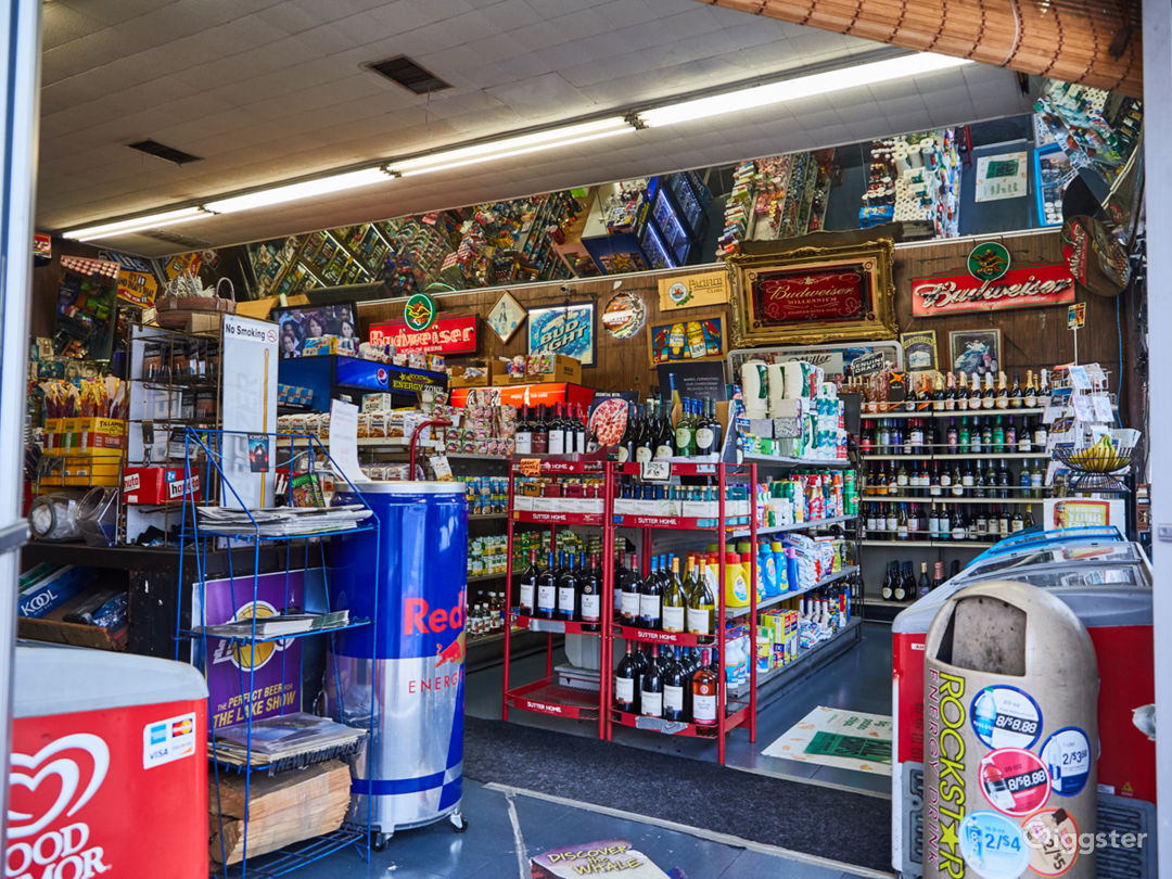 Liquor Store on Sunset with a Backroom Photo 2