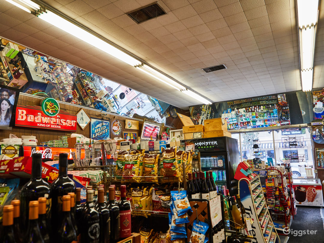 Liquor Store on Sunset with a Backroom Photo 4