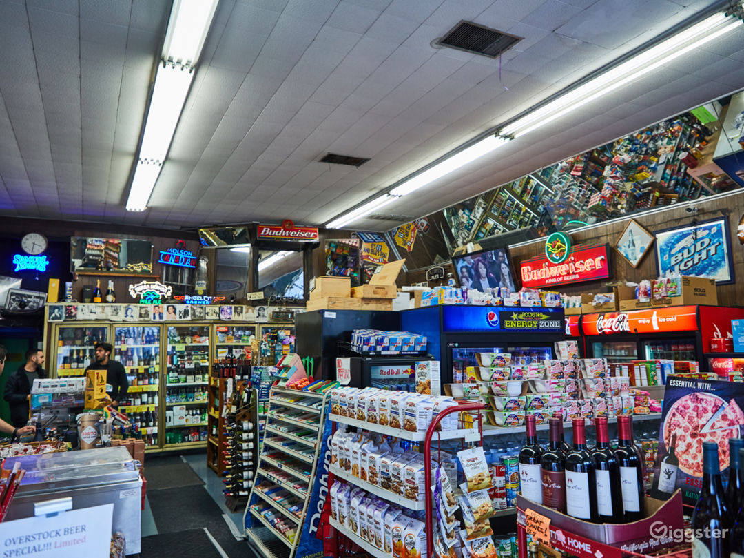 Liquor Store on Sunset with a Backroom Photo 1