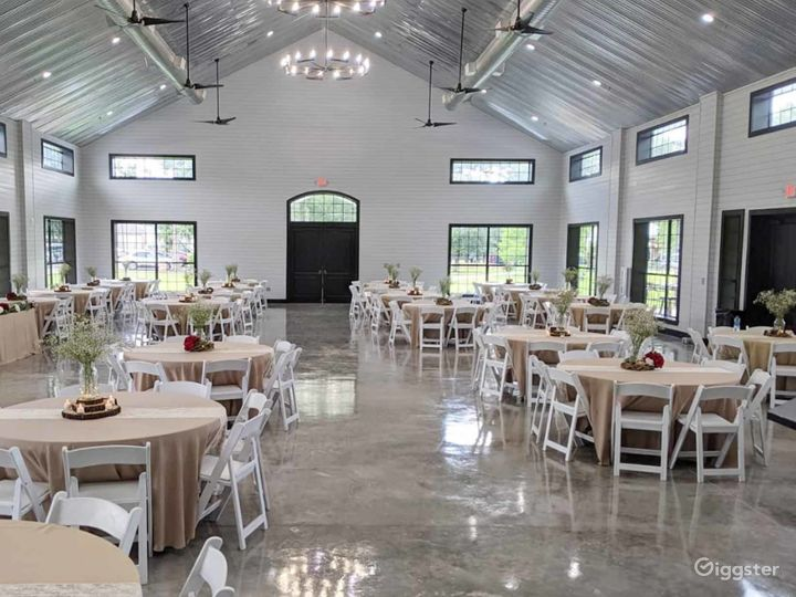 Huge Classy Hall in Conroe Photo 2
