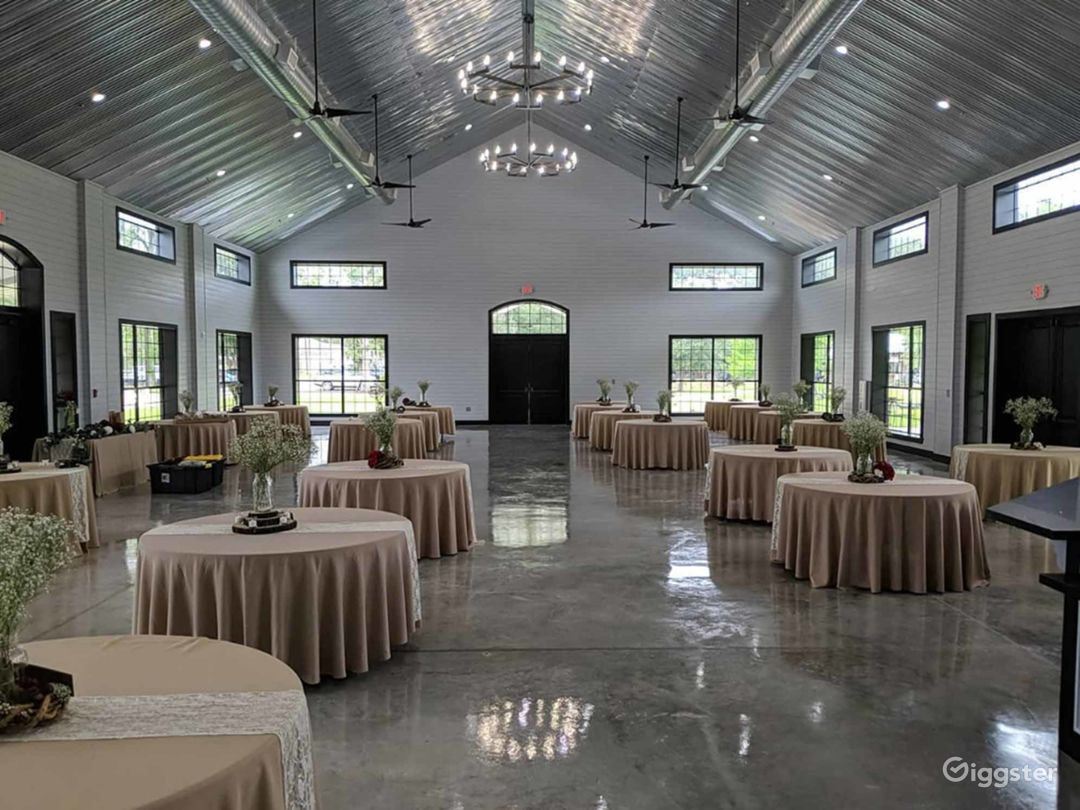 Huge Classy Hall in Conroe Photo 1