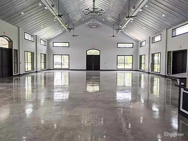 Huge Classy Hall in Conroe Photo 4
