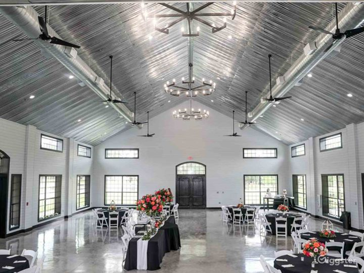 Huge Classy Hall in Conroe Photo 3