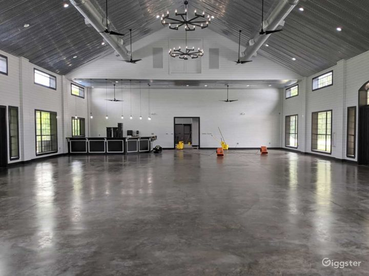 Huge Classy Hall in Conroe Photo 5