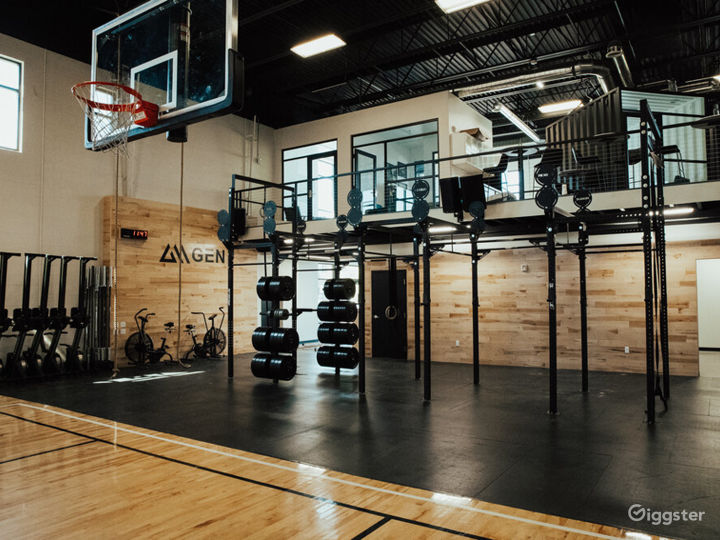 Modern office, B ball court, & fitness studio  Photo 3