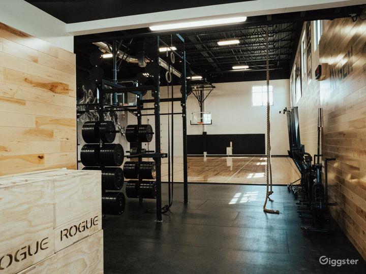 Modern office, B ball court, & fitness studio  Photo 2
