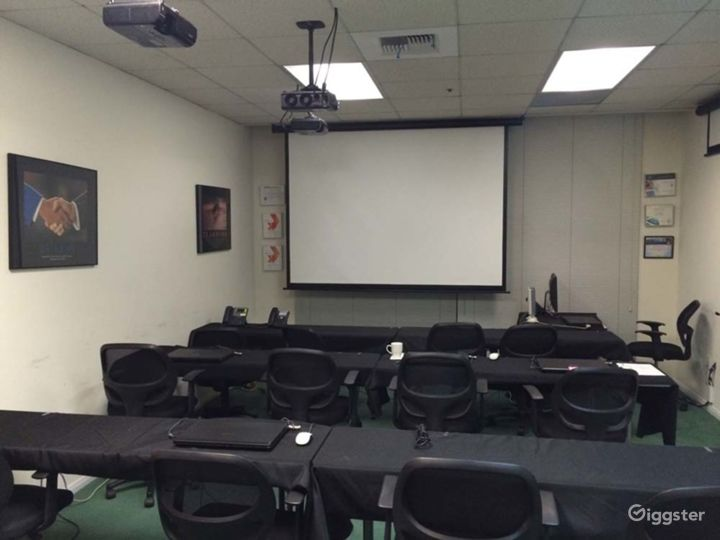 Corporate Training and Meeting Room Facility and in Downtown Glendale Photo 2
