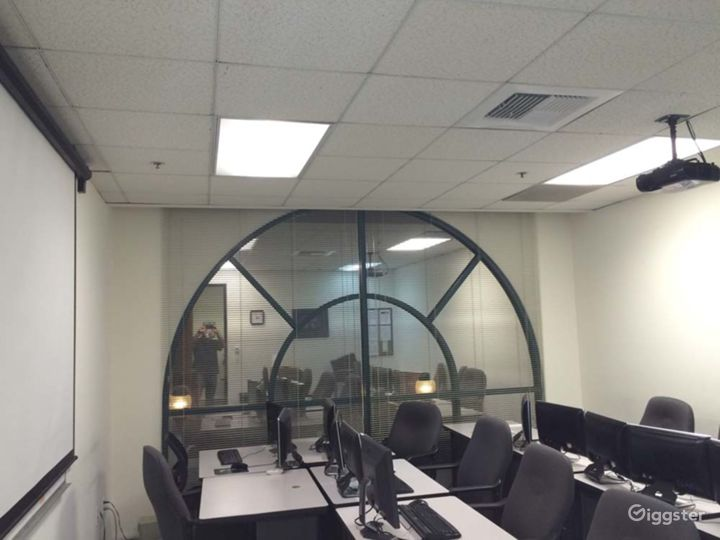 Corporate Training and Meeting Room Facility and in Downtown Glendale Photo 3