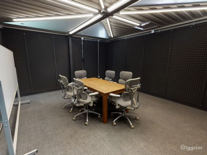 Large Multifunctional Space with Breakout rooms  Photo 3