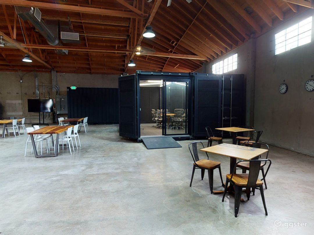 Large Multifunctional Space with Breakout rooms  Photo 1