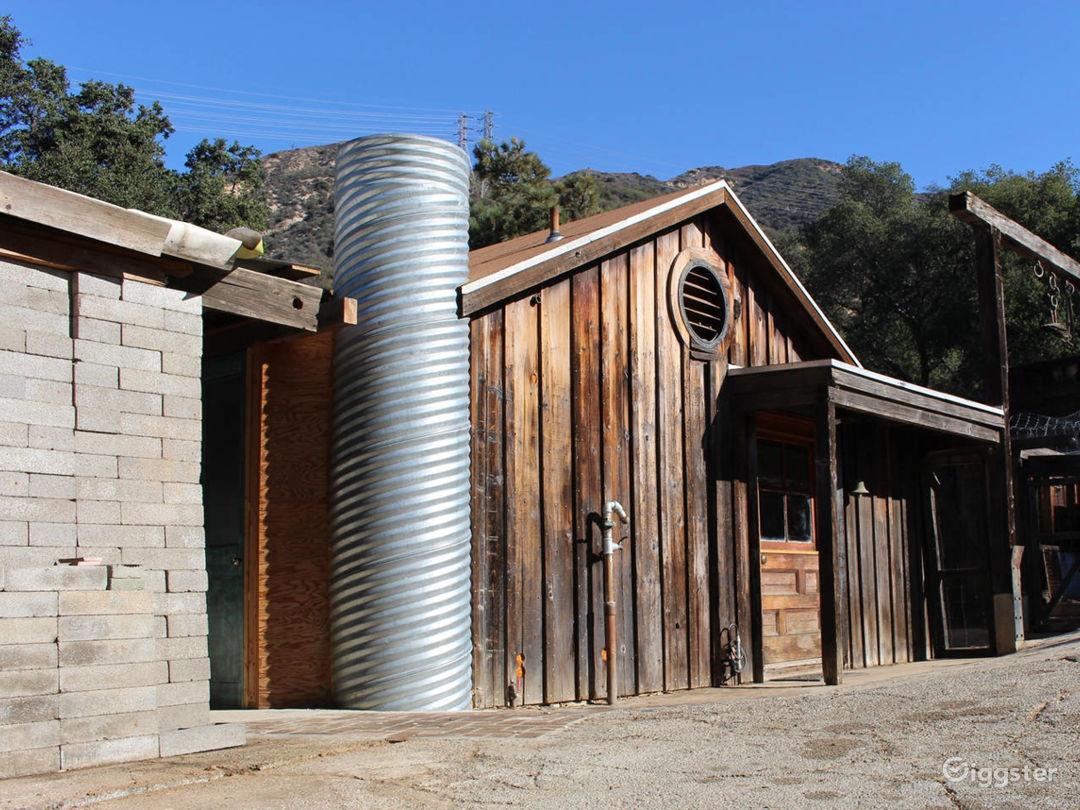 Unique LA Art Ranch with Incredible Views Photo 2