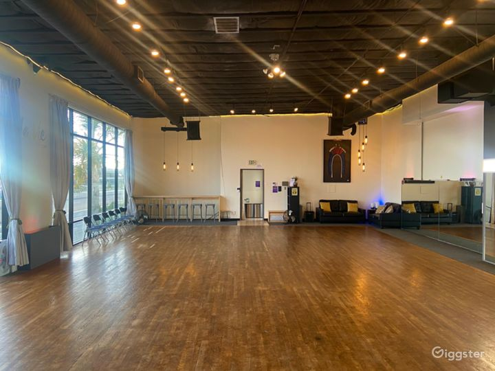 Cultural Dance Studio in in the Midway District of San Diego. Photo 5