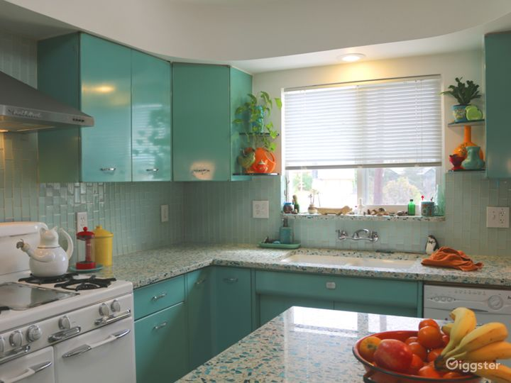 Colorful Retro Kitchen For Commercials Music Video Photo 3
