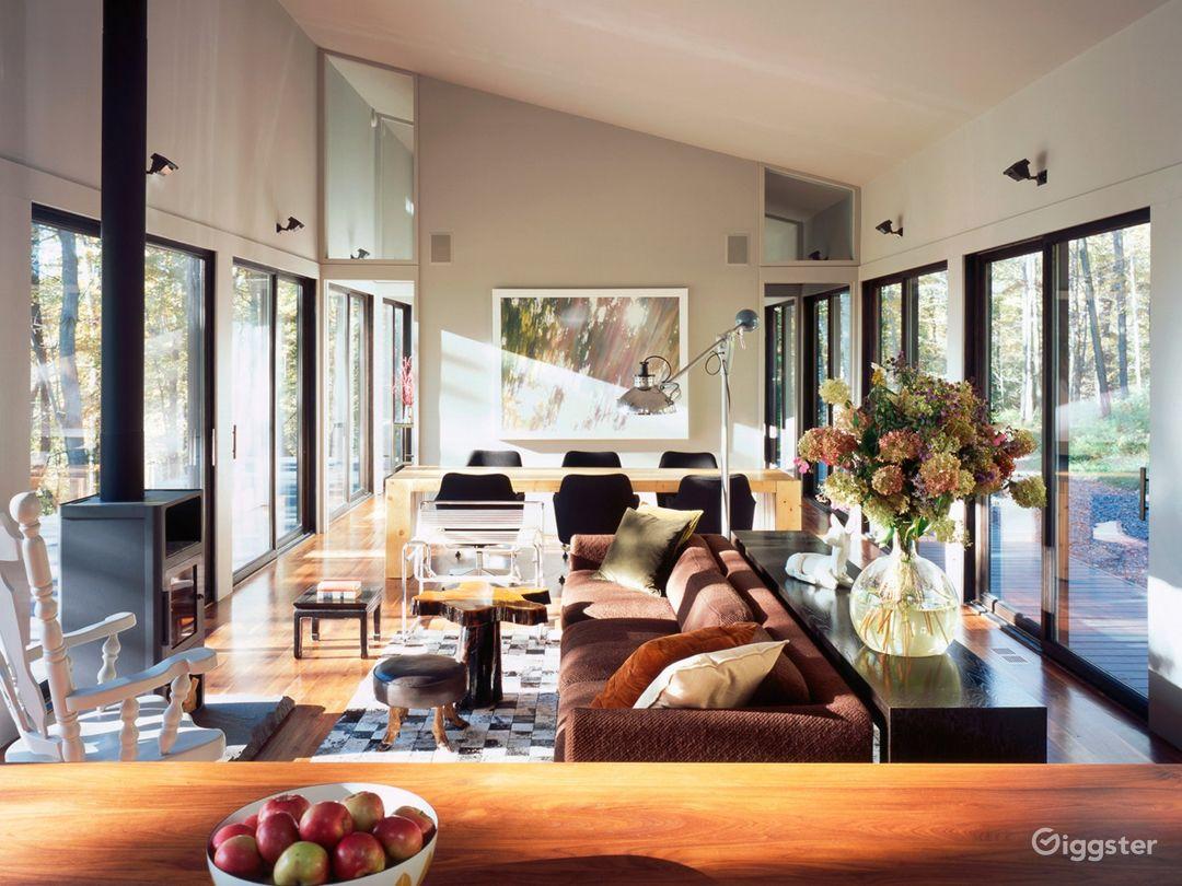Modern barn style cabin: Location 5244 Photo 1